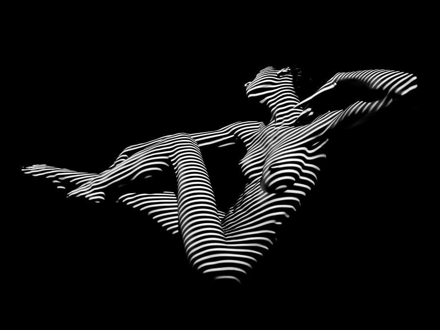 0043-dja-bw-zebra-woman-striped-girl-topographic-abstract-sensual-body-art-chris-maher